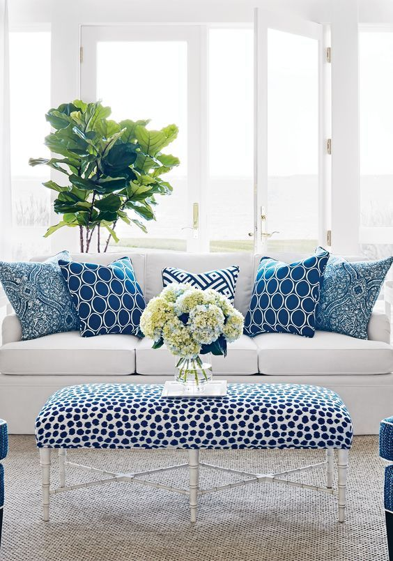 9604e67ef4372f1189a52105de6a07f0--blue-living-rooms-white-and-blue-living-room-decor